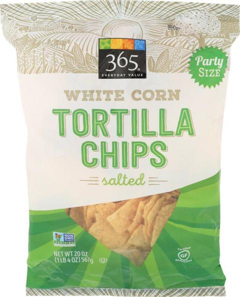 Front image - 365 Everyday Value White Corn Tortilla Chips Salted-Party Size, UPC 9948247145