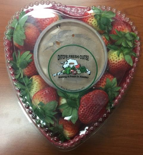 Heart Plastic Platter Strawberries w Dip with Chocolate Frosting Refrigerated, front