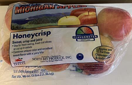 """Honeycrisp apples Great Lakes Great Flavor Michigan Apples 3lb. Plastic Bag"""