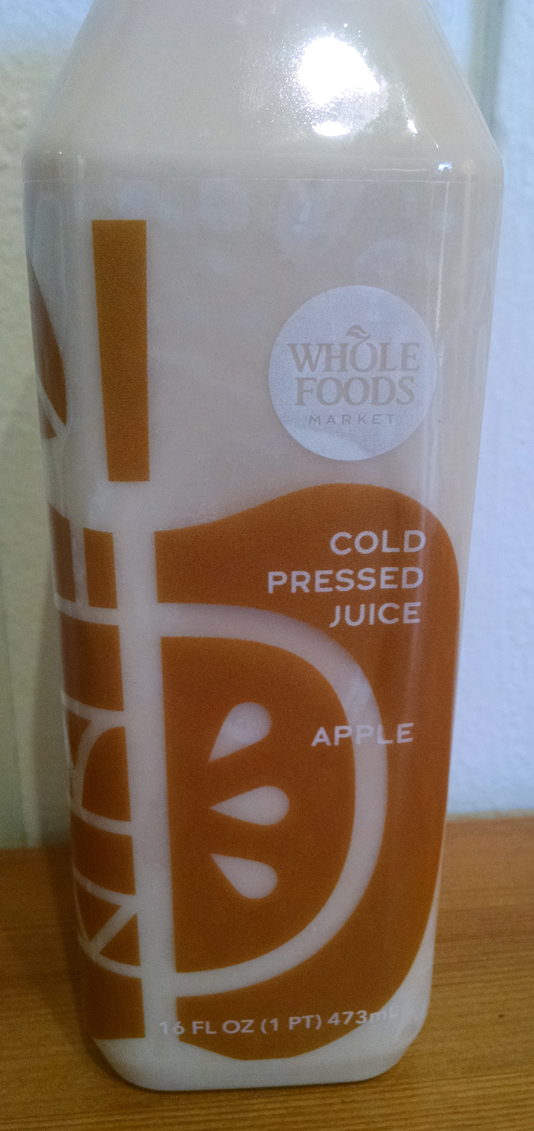 Label, cold pressed apple juice